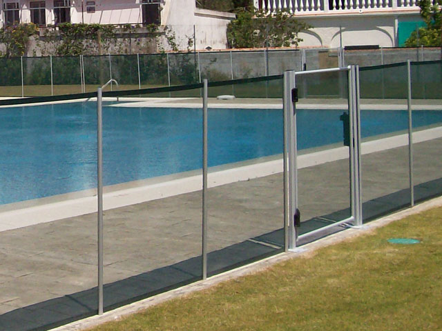 Barriere de securite piscine beethoven barri re de for Barriere piscine beethoven prestige