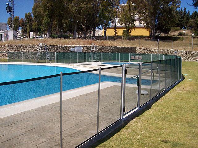 Photos et vid os barri re piscine beethoven s curit for Barriere de securite piscine castorama