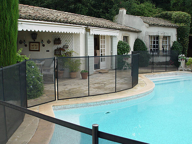 Photos et vid os barri re piscine beethoven s curit piscine for Barrieres piscine beethoven